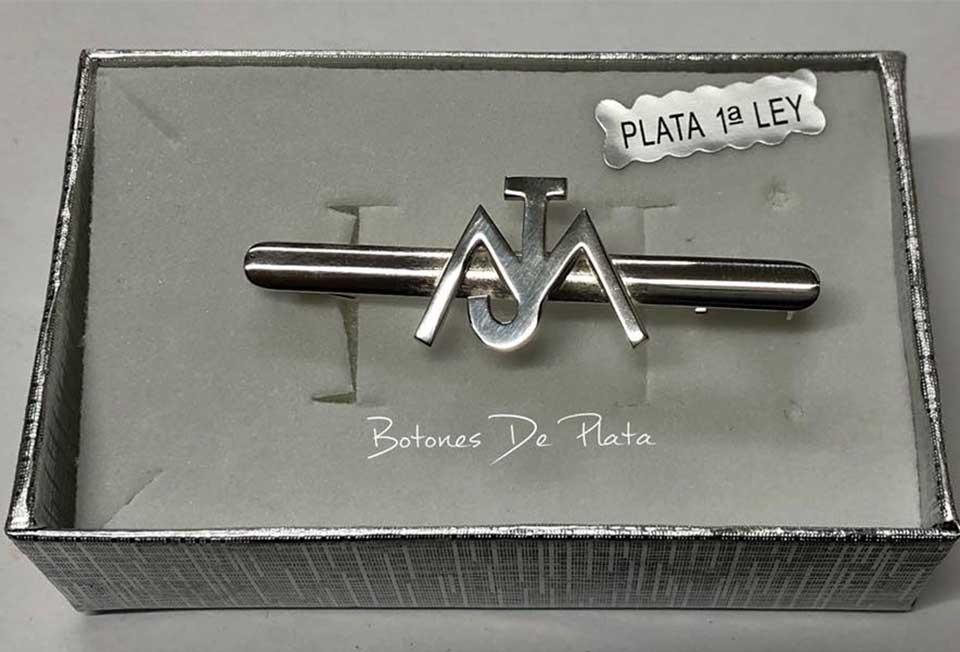 Botones de Plata-Alfiler-amazonas-al-aire-1
