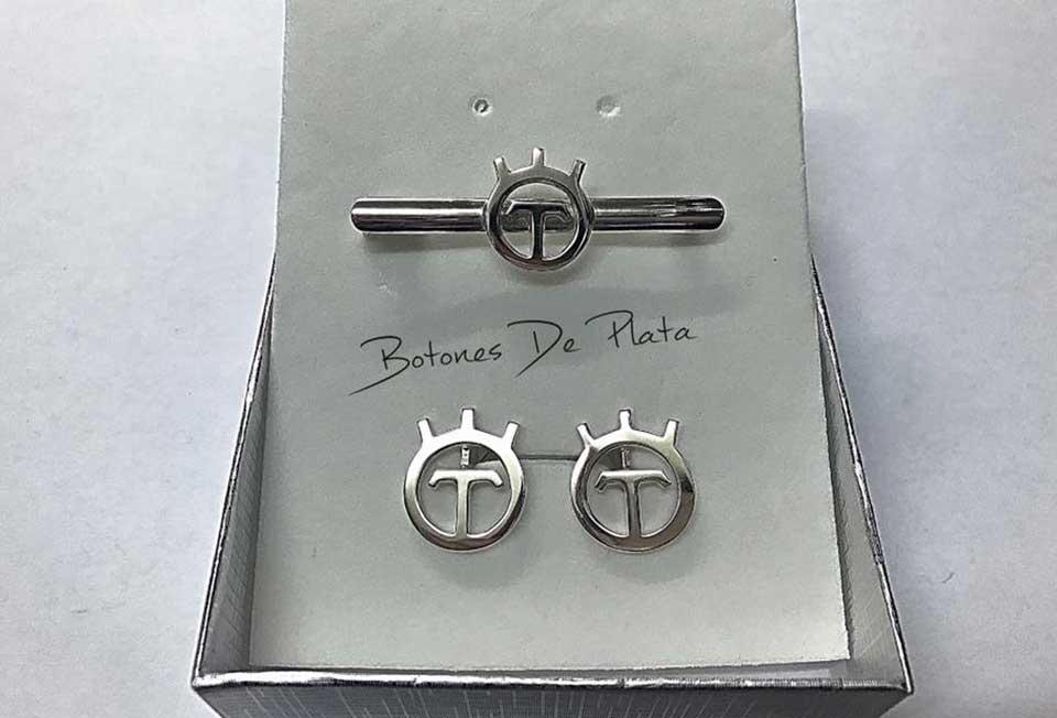Botones de Plata-Alfiler-y-pendientes-T
