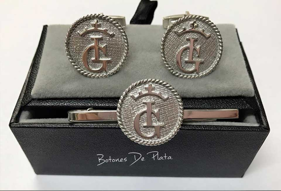 botones de plata-portada_Pisacorbatas-salomonico-1