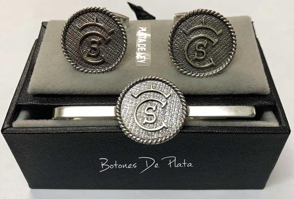 botones de plata-portada_Pisacorbatas-salomonico