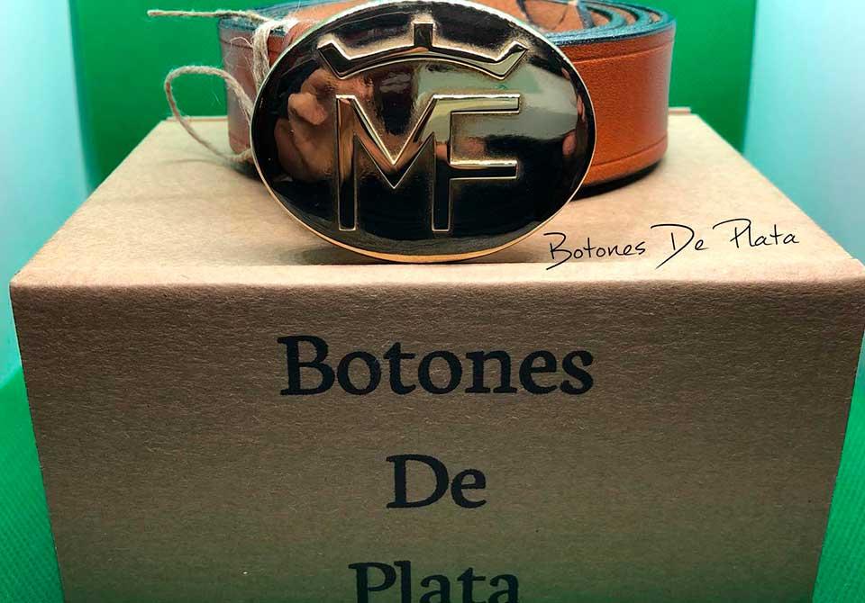 botones de plata-hebilla-mujer-personalizada-con-cinturon
