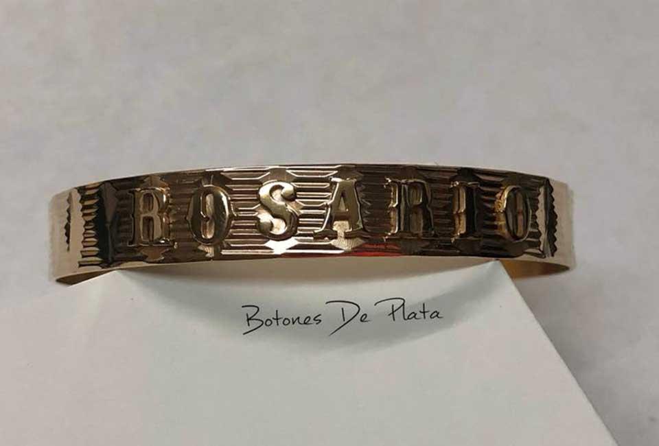 botones de plata-pulsera-oro-18k-con-nombre