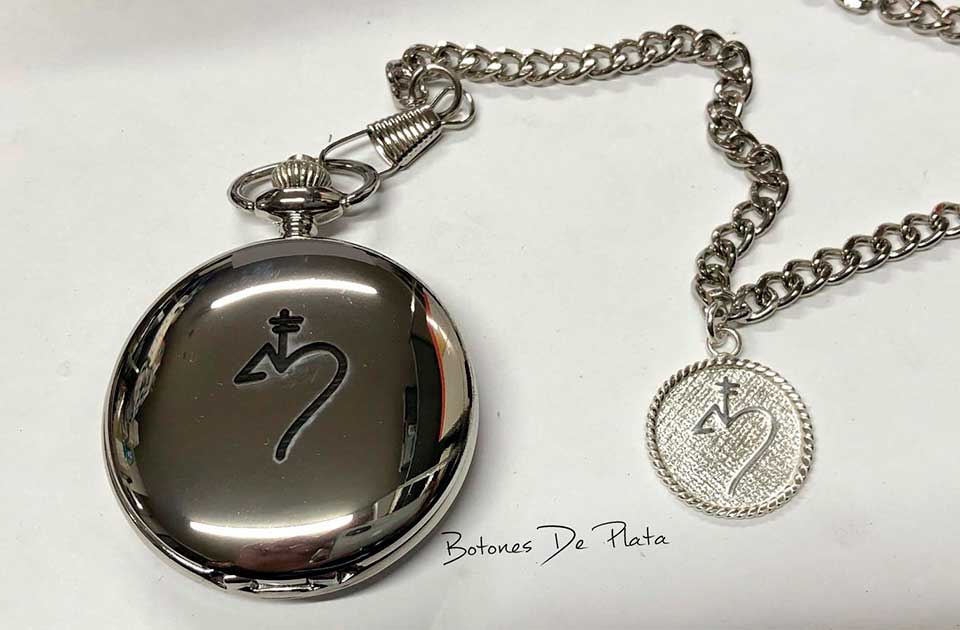 botones de plata-reloj-bolsillo-grabado-y-chapa-de-plata