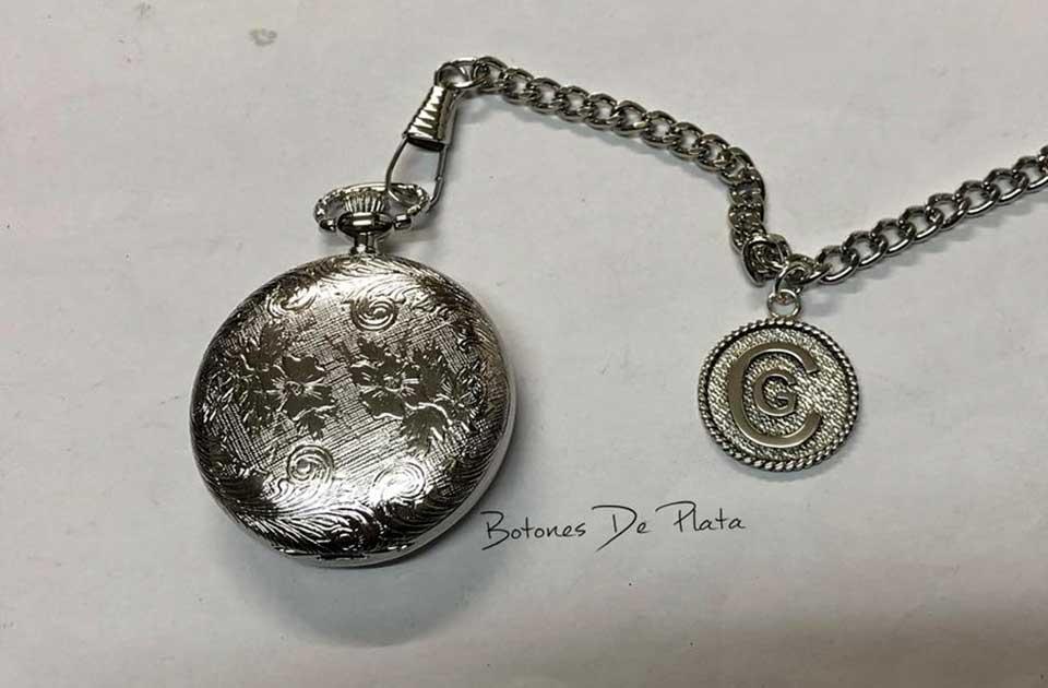 botones de plata-reloj-bolsillo-labrado-y-chapa-de-plata-personalizada